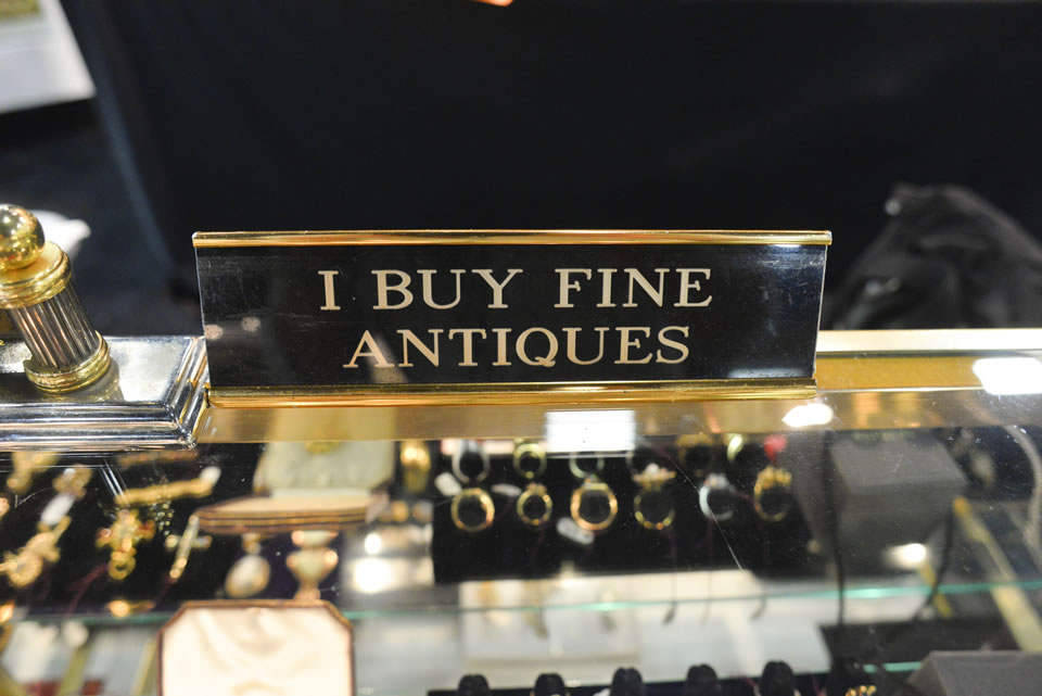 I buy fine antiques